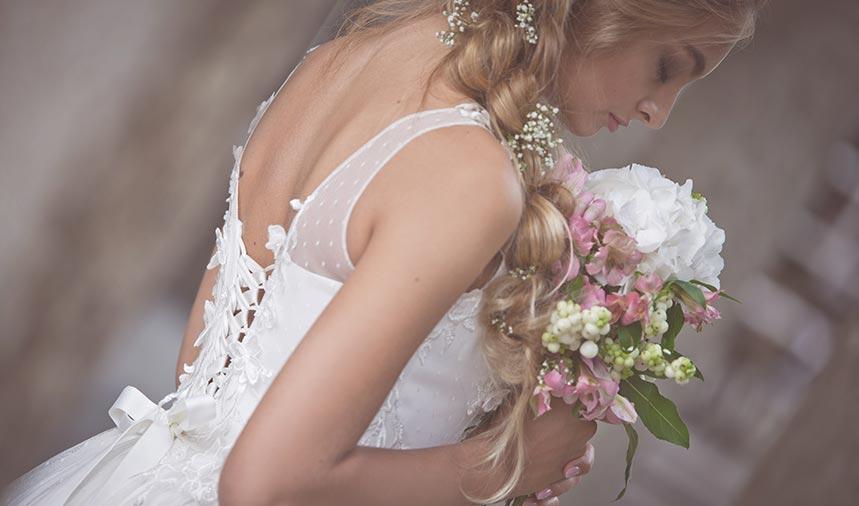 Brautkleid mit Spitze und Tüll